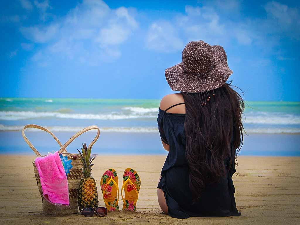 back-view-bag-beach-2401109